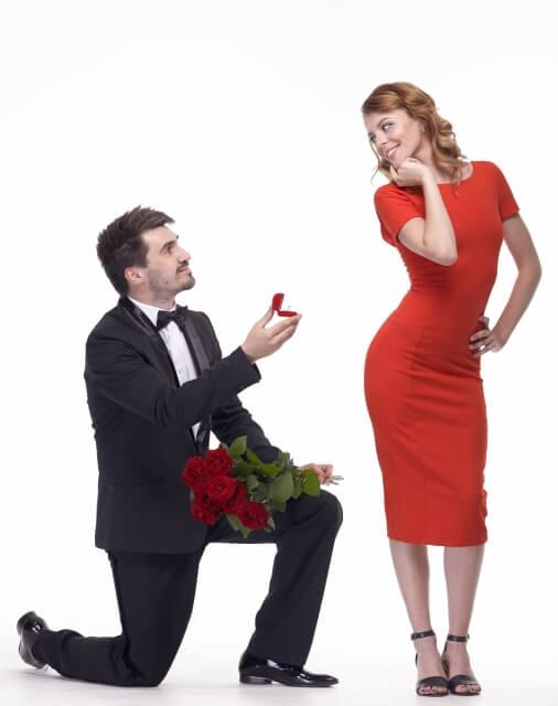金か愛か、貯金の無い彼からのプロポーズ…愛さえあればなんとかなる?